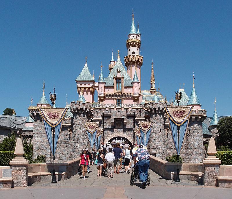 800px-Sleeping_Beauty_Castle_Disneyworld_Anaheim_2013