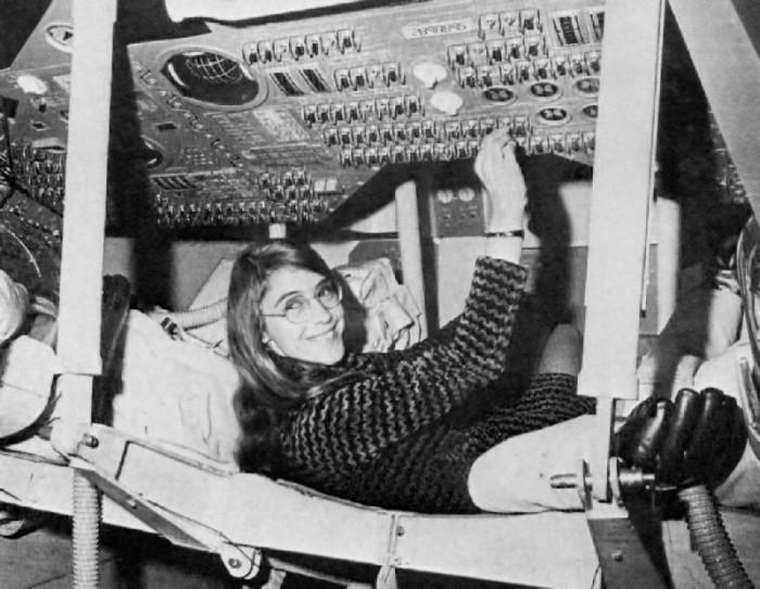 Tehnologia Informației – O lume a bărbaților pionierată de femei
