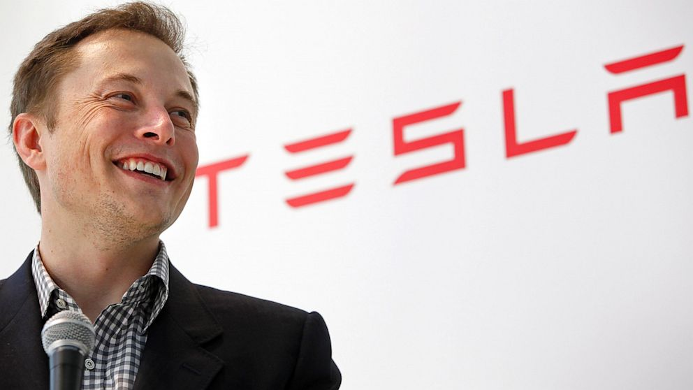 Elon Musk - CEO SpaceX și Tesla Motors